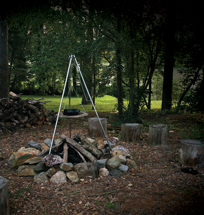 TriPod Grill and Lantern Holder Campfire Camping Light Weight Camper Stove Grill-19926