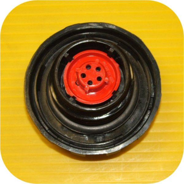 Locking Gas Cap 99 Solara-9352