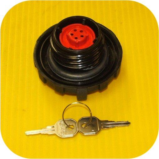 Locking Gas Cap 99 Solara-9353