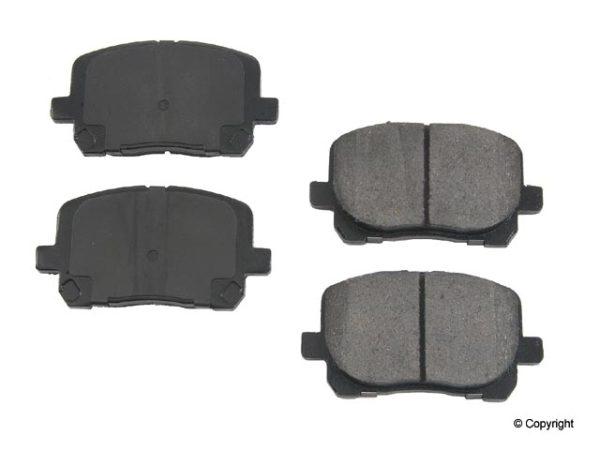 Front Brake Pads for Toyota Matrix Corolla Pontiac Vibe-0