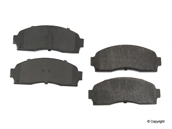 FRONT Disc Brake Pads CHEVY EQUINOX SATURN Vue-0